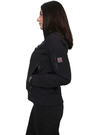 Cresta Cresta Softshell Gizli Kapüşonlu Kadın Mont CRST1W-1053 CRST1W-1053001 Siyah